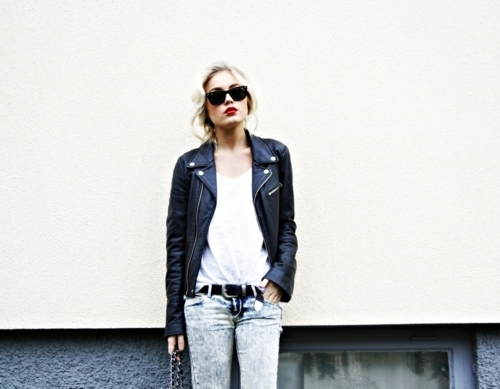 beauitful, blonde, clothes, clothing, cute, fashion, girl, hair, jacket, leather jacket, light, lipstick, model, photography, pretty, ray ban, rebel, rebelious, red lips, skinny jeans, sunglasses, white shirt