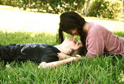 beautiful, braid, cool, couple, cute, cutie, fun, girl, gorgeous, grass, happy, kiss, love, nice, photo, photography, pretty, romantic