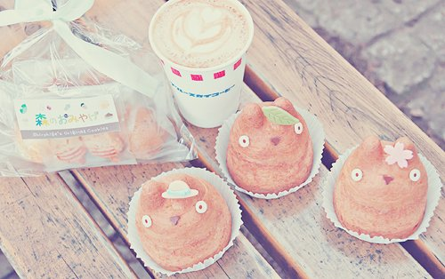 blossom, coffee, cupcakes, cute, drink, flower, food, hat, hungry, leaf, mocha, omfg, omg, sweet, sweets, totoro, want, yum, yummy
