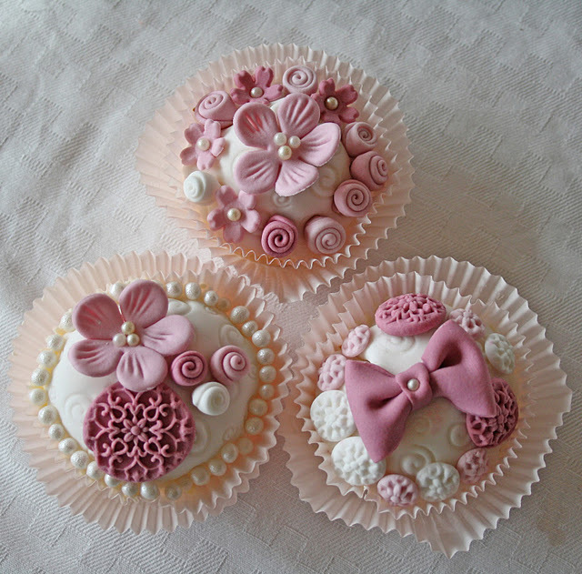 bow, cupcake, cupcakes, flower, flowers