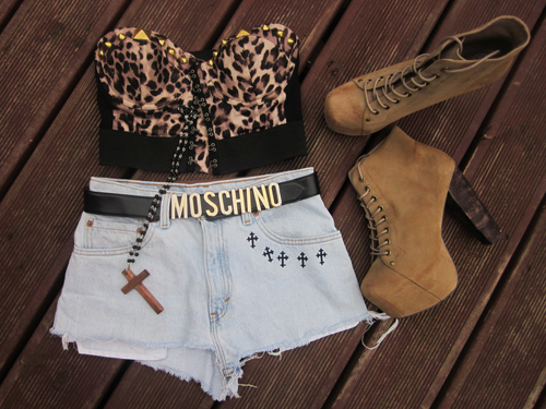 bustier, fashion, heels, jeffrey campbell, moschino, necklace, outfit, shoes, shorts