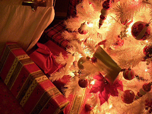 christmas, lights, ornaments, photography, presents, tree