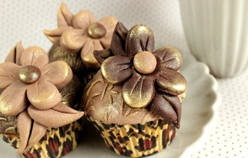 cupcake, cupcakes, flower, flowers, food, gold