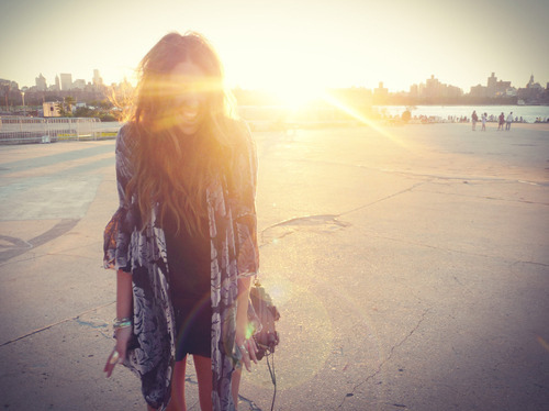 girl, hipster, summer, sun, tan - image #306597 on Favim.com
